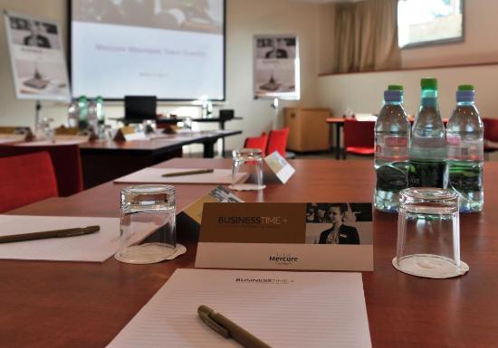 Maurepas, Γαλλία: SAlle de réunion