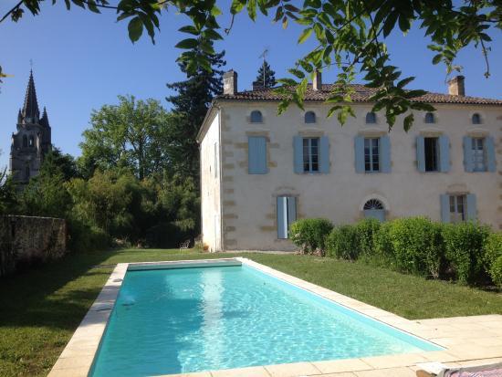 Uzeste, France : Façade Nord piscine