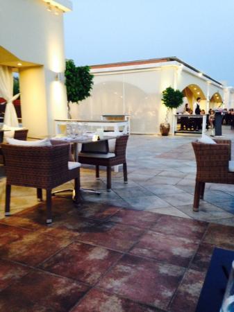 La Marquise Luxury Resort Complex: Katto ravintola