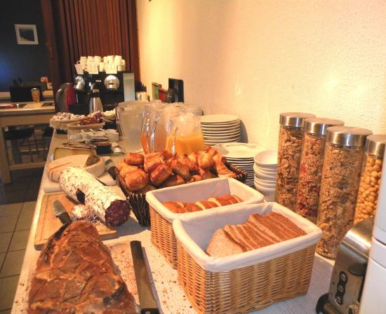 Le Pian Medoc, Francia: Petit-déjeuner