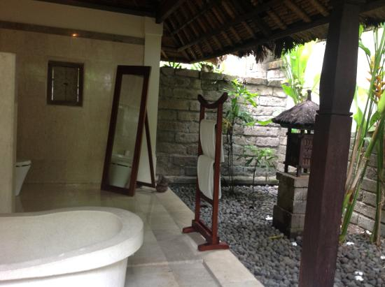 Plataran Canggu Resort & Spa: Outdoor bathroom
