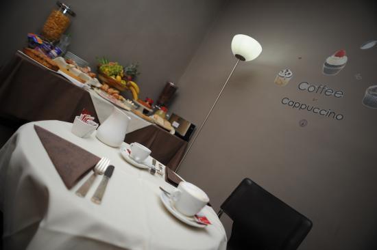 Astor Hotel : breakfast