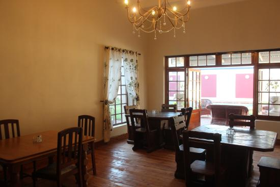 Ladismith, Sudáfrica: Dining room with coffee and tea facilities