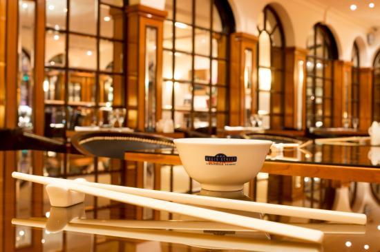 Copthorne Tara Hotel London Kensington: Bugis Street Restaurant