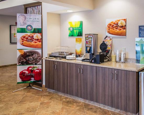 Quality Inn: Complimentary Hot, Fresh & Healthy Breakfast.