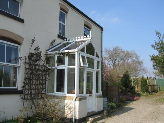 Woodville Dog Friendly Cottage and Bed & Breakfast