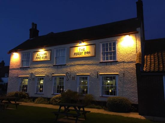 Night time at The Ferry Inn Stokesby