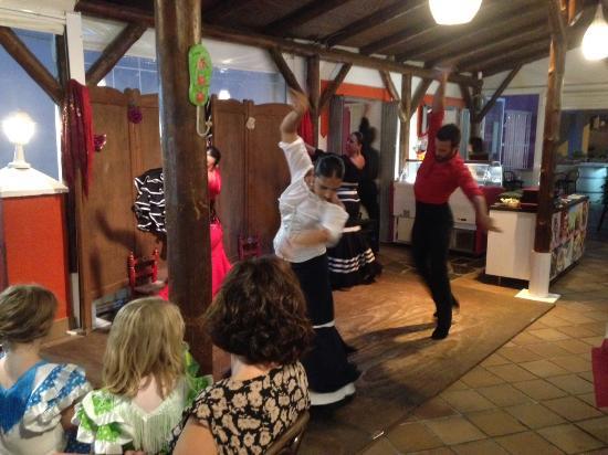 Burriana Restaurant: Flamenco Restaurante Burina, Calle Fillipinas