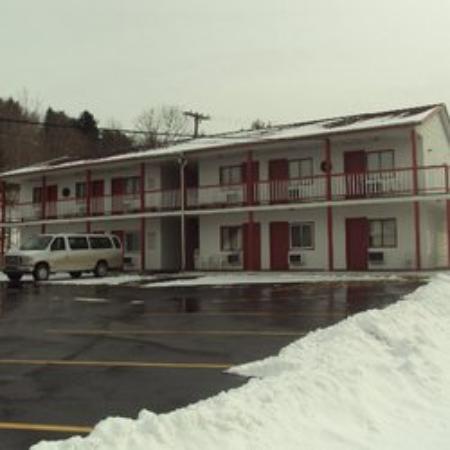 Marathon, NY: The Three Bear Inn Motel