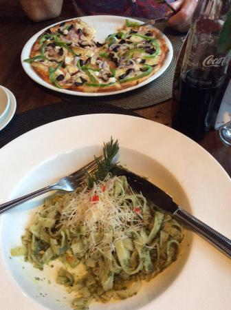 Arusha Coffee Lodge: Dinner in the bistro
