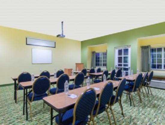 Microtel Inn & Suites by Wyndham Opelika: Meeting Room