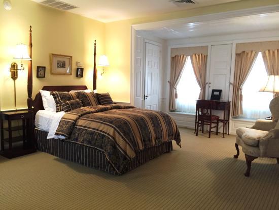 Morris House Hotel