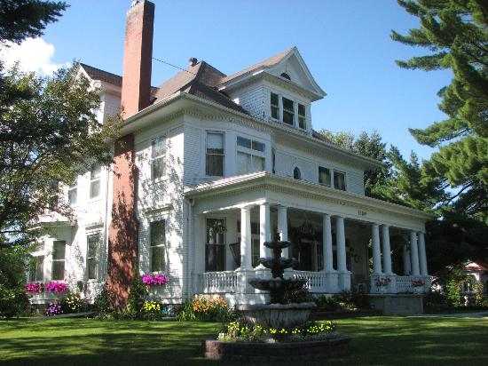 Grand Rapids, Миннесота: The Historic Gilbert Mansion