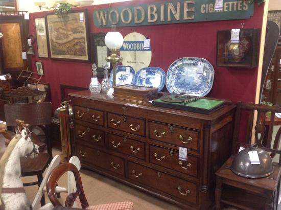 Brackley, UK: Top quality furniture