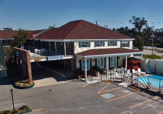 Photo of Edgewater Inn Biloxi