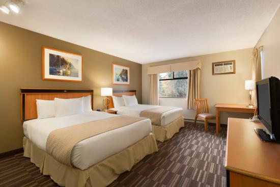 Days Inn - Nanaimo : Two Queen Bed