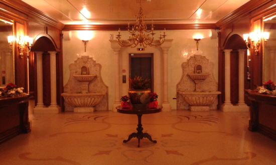Festa Winter Palace Hotel Photo