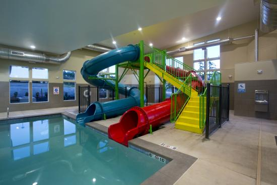 red lion inn suites federal way new indoor pool with slides - Cool Indoor Pools With Slides