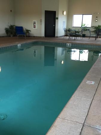 Seneca, Kansas: Indoor Heated Pool