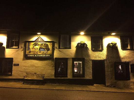 Threlkeld, UK: Front of the pub