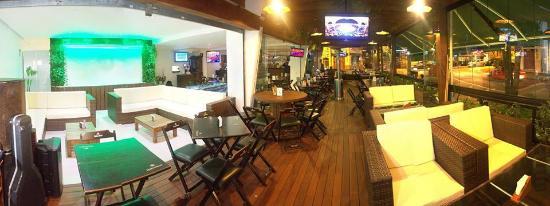 Deck Lounge Bar