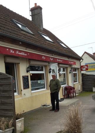 Diou, France : Entrée restaurant
