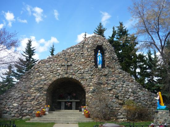 St. Albert, Canada: The grotto.