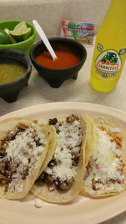Acapulco Mexican Grocery Y Taqueria: Carnitas, pollo and lengua tacos.