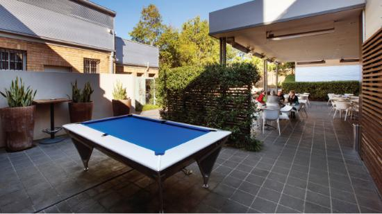 Homebush, Austrália: Pool table