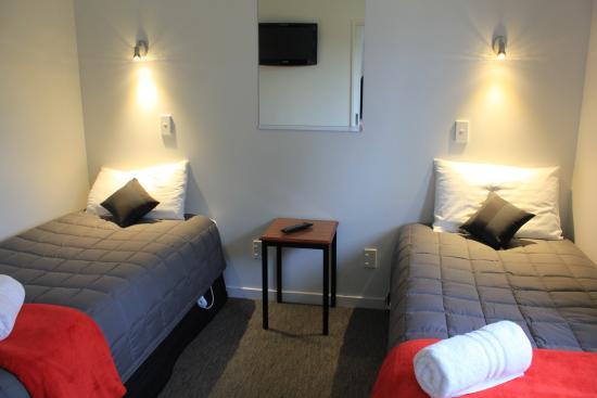 Bella Vista Motel: 1 Bedroom Family Unit adjoined bedroom