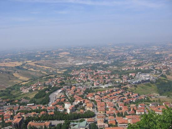 San marino photos featured pictures of san marino for Flights to san marino italy