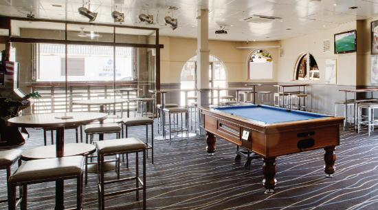 Cardiff, Australia: pool table