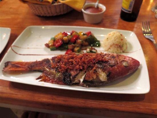 Mariscos Polo's: whole red snapper