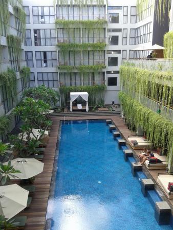 Hotel Neo Kuta Jelantik : Pemandangan dr balkon kamar