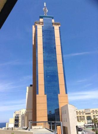 near rokna hotel