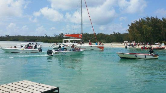 Monalysa Grand Bay Holidays Bungalows: received_970406146353998_large.jpg