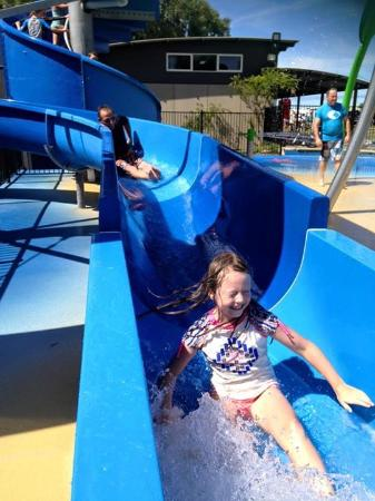 Merimbula Beach Resort and Holiday Park: Water Park fun!