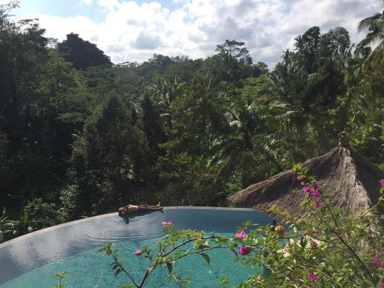 Villa Bayad: Piscina