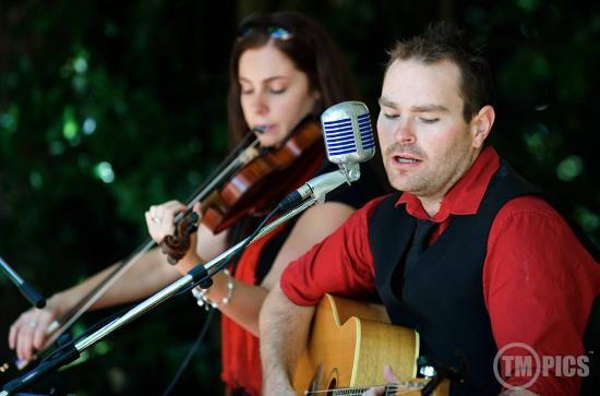 Bridge Mall Farmers Market - Local music