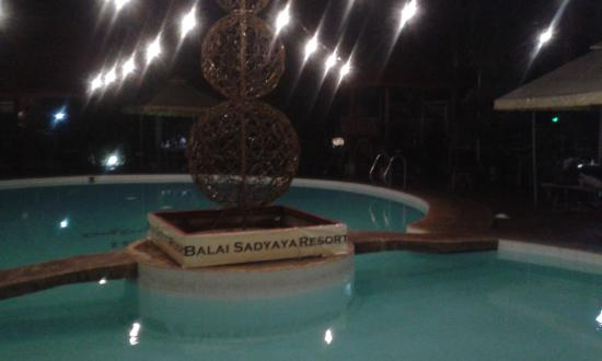 Sariaya, Filippinerne: The pool at night -