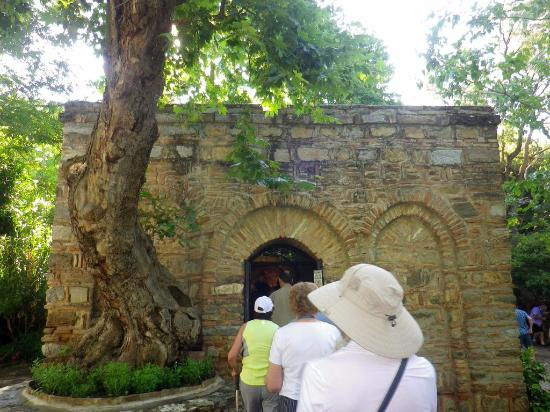 Meryemana (The Virgin Mary's House): Visitors queuing to enter the house