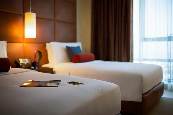 Hyatt Regency Al Kout Mall: Premium Suite twin bedroom