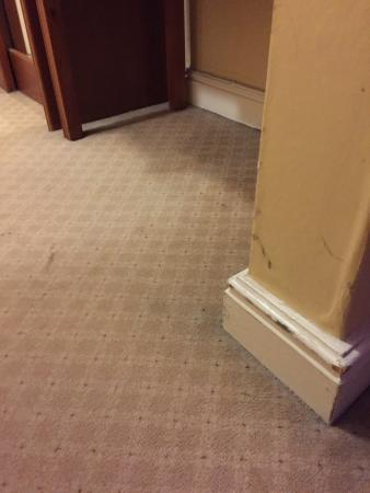 Grafton Capital Hotel: Needs room refurbishment and safety issues addressed