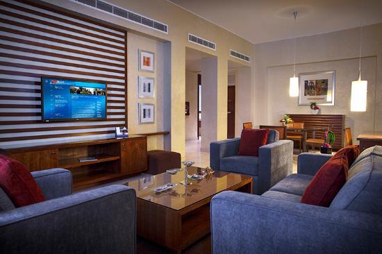 Hyatt Regency Al Kout Mall: Premium Suite living room