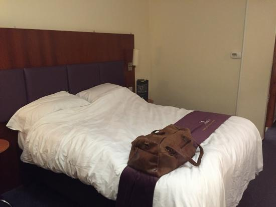 Premier Inn Leicester North West Hotel: My room