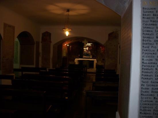 Chiesa di San Gregorio: interno cripta