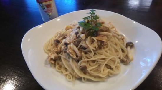 Dining Bar Pomodoro: ツナと玉子のパスタ