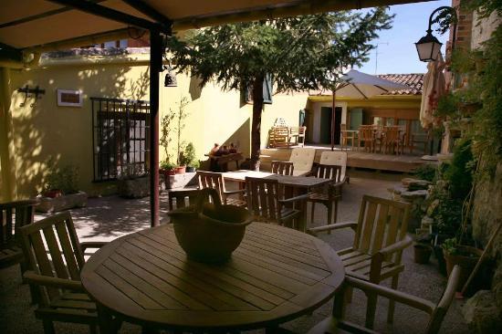 Hotel La Cachava: Jardin