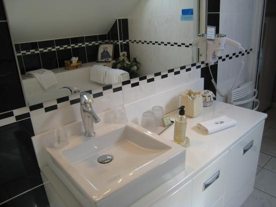 Le Manoir aux Vaches: Les salles de bains