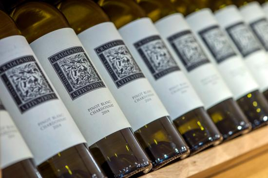 Alfriston, UK: Our still wine for free tasting and purchase